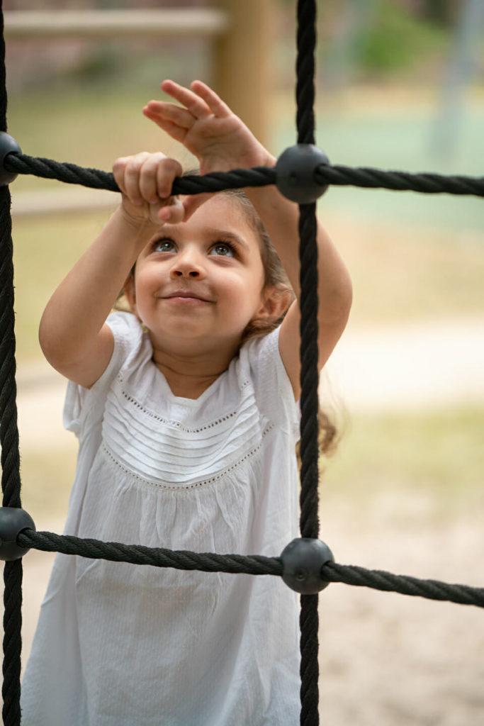 moderne kindergartenfotografie karlsruhe draussen outdoor angeleitetes spiel